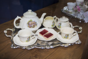 The loosing tea service........